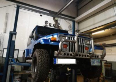 Autowerk Herford Instandsetzung Jeep Motor Reparatur Werkstatt