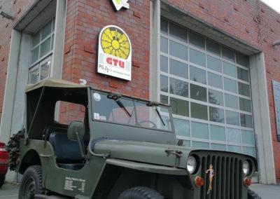 Autowerk Herford Jeep Instandsetzung Motor Reparatur Werkstatt